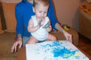 сынок рисует